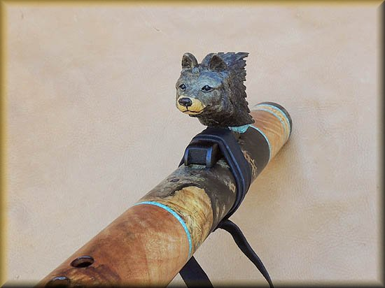 gray_wolf_carved_flute_inlay_d-10.jpg (31797 bytes)
