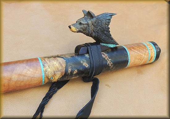 gray_wolf_carved_flute_inlay_d-19.jpg (39475 bytes)