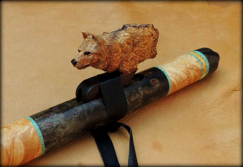 timber-wolf-carved-flute-inlay-g-minor-09.JPG (90127 bytes)
